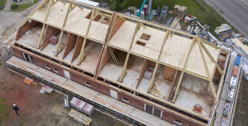 Langgevelboerdeij met eikenhouten dakconstructie